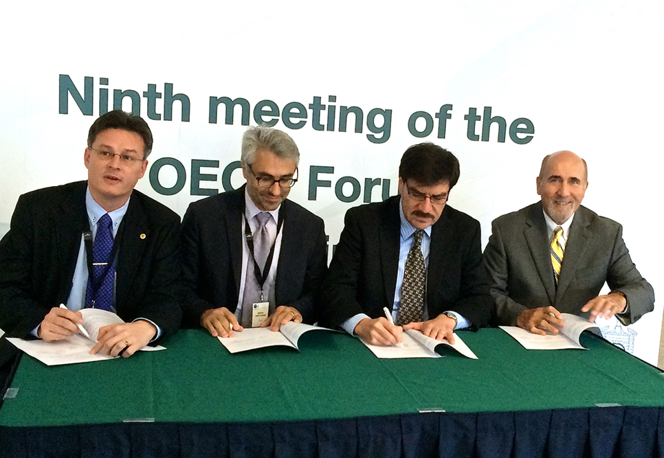 Imf iota and oecd sign letter of intent to establish a common the signatories from left to right miklos kok iota pascal saint amans oecd juan toro imf and socorro velzquez ciat spiritdancerdesigns Image collections