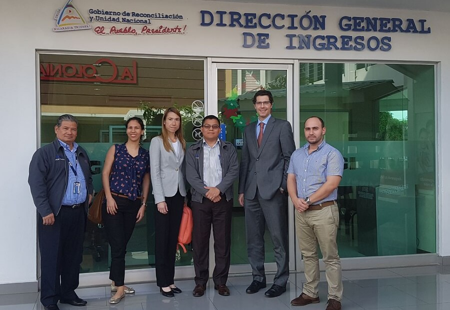 La dgi de nicaragua disminuy el tiempo de atenci n al for Oficina atencion al contribuyente madrid